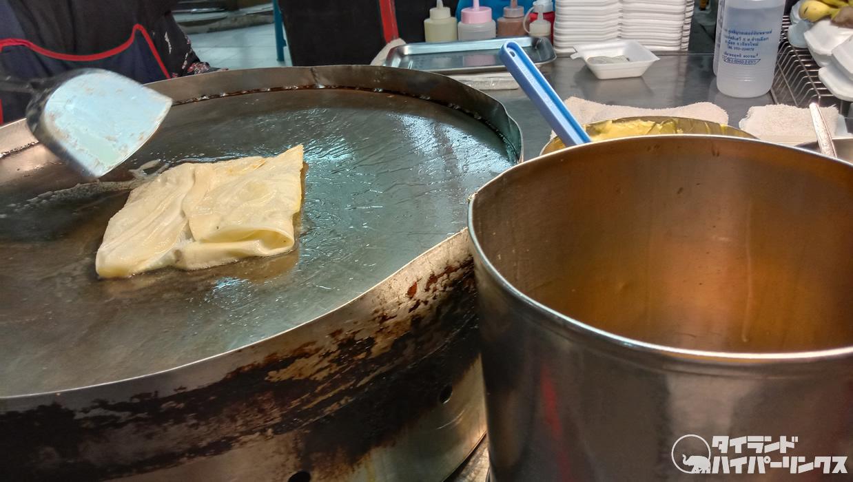練乳たっぷり激甘ロティ@チェンマイ・チャンクラン通りのナイトバザール