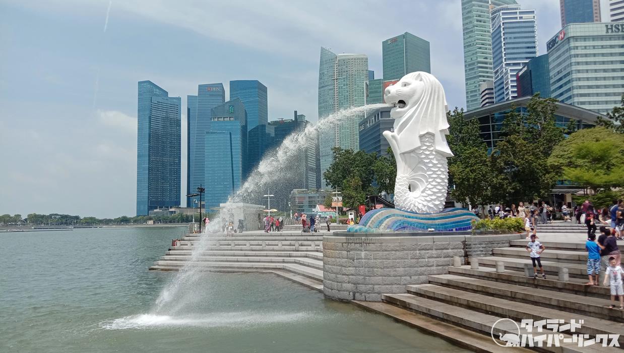 シンガポール「マーライオン」横のフルーツパーラーにはタイの果物