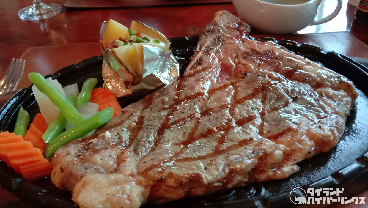 750バーツの「エイジングTボーンステーキ(Aging T - Bone Steak)