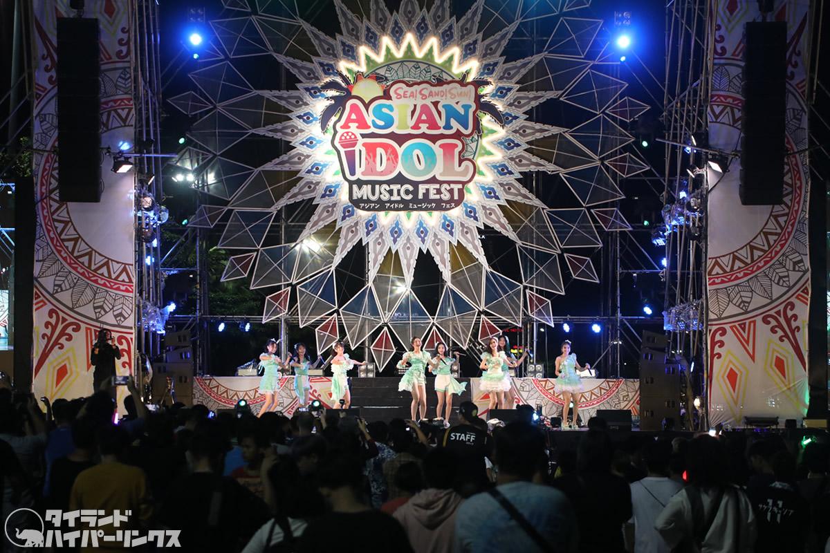 JKT48、パタヤビーチで2日続けてのステージ[ASIAN IDOL MUSIC FEST 2019]