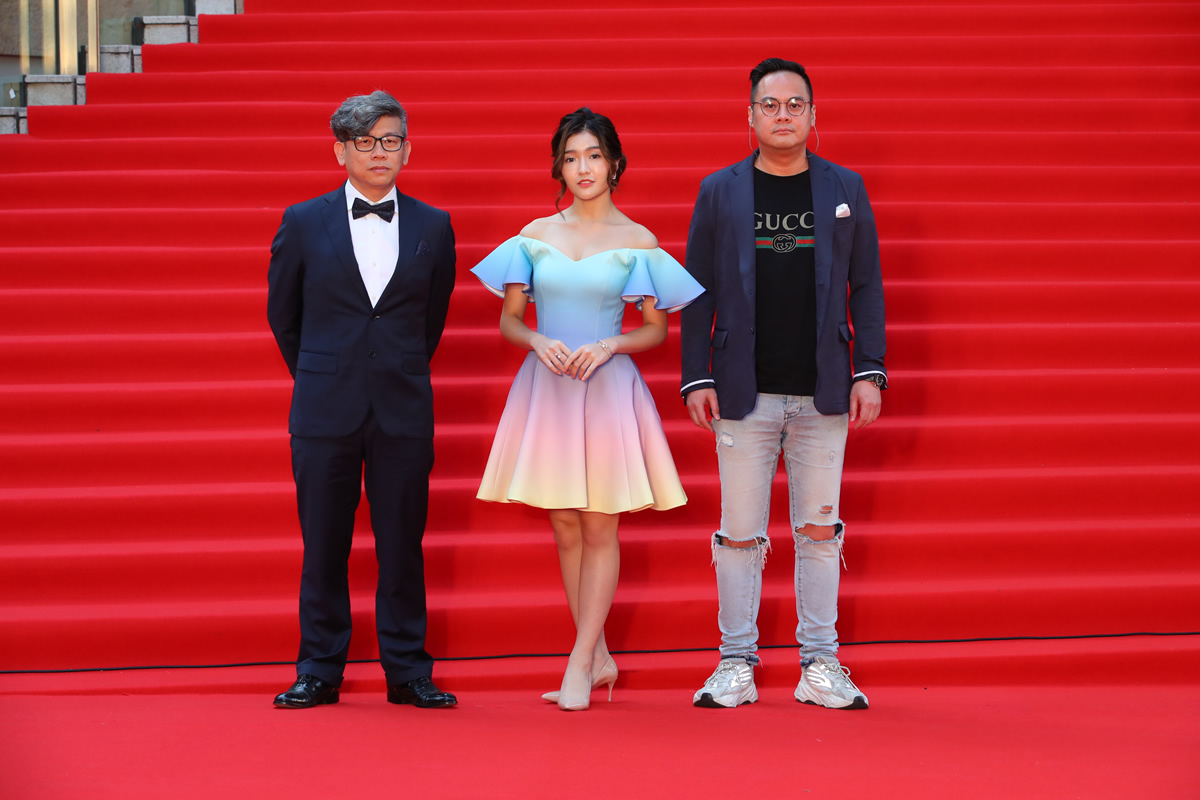 ジェニスBNK48、第32回東京国際映画祭のレッドカーペットに登場