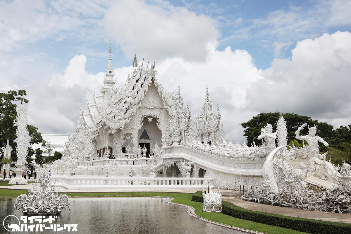 チェンライの白い寺院「ワット・ローンクン」が再オープン