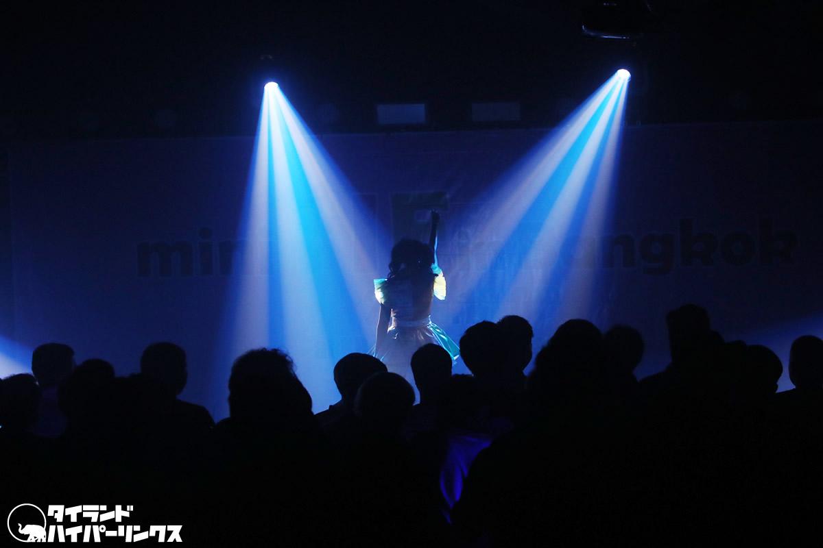 Harupiiiがソロで「mini TIF in Bangkok」のステージに登場