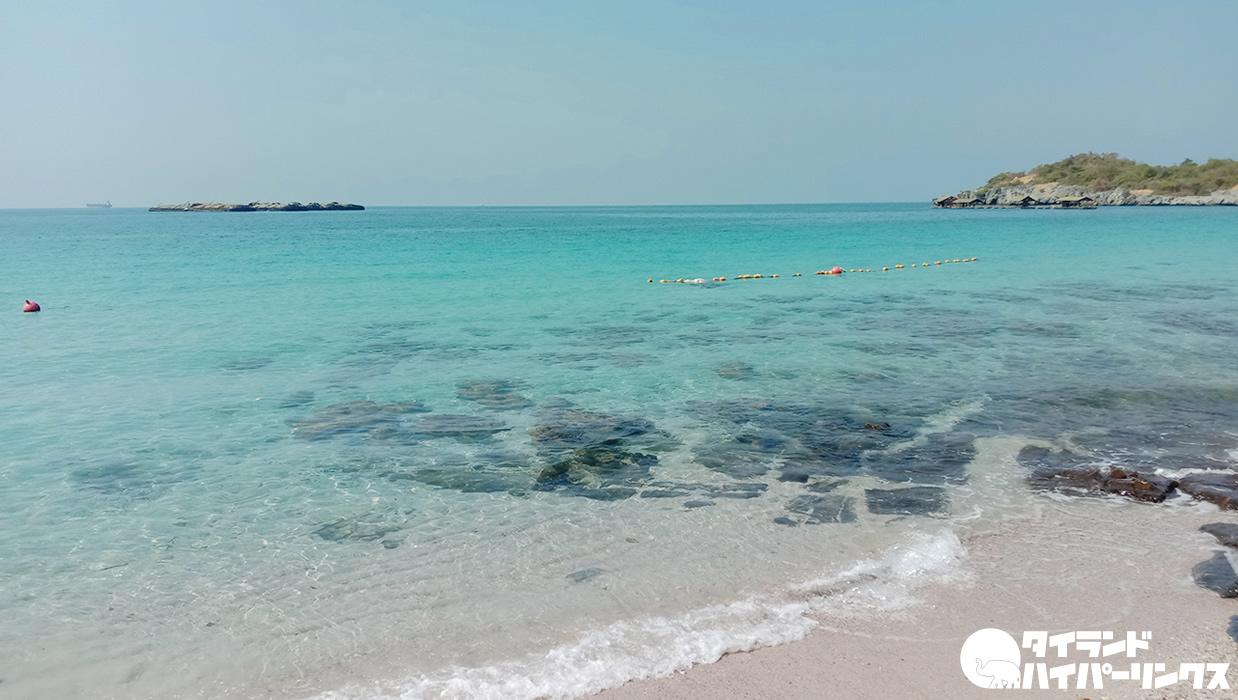 シーチャン島タムパンビーチはビーチチェアとパラソル無料!