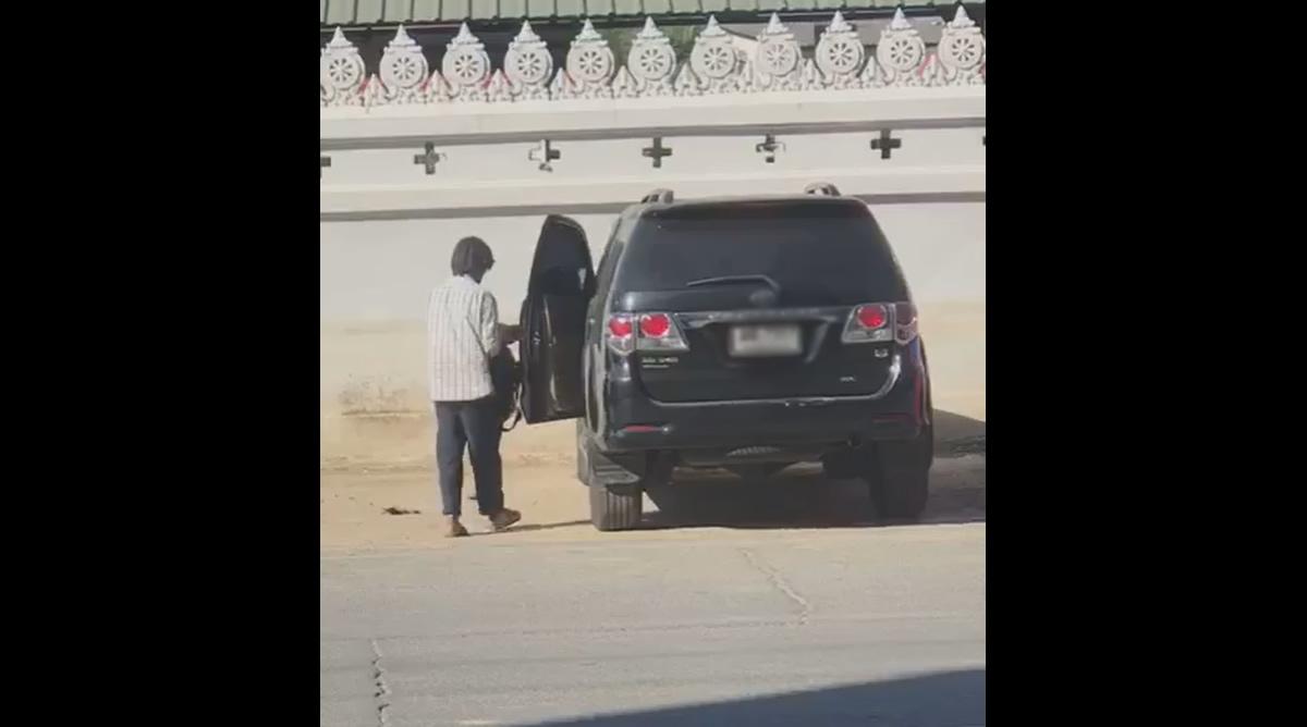 盲目の物乞いおじさん、高級車での出勤風景を撮られる(動画あり)