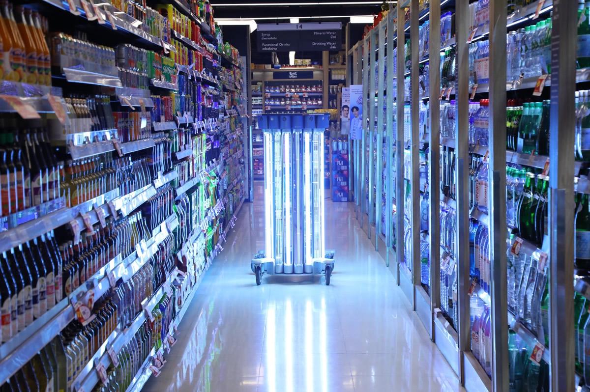 セントラル・チットロム内のスーパーにUV-Cライト消毒器を導入