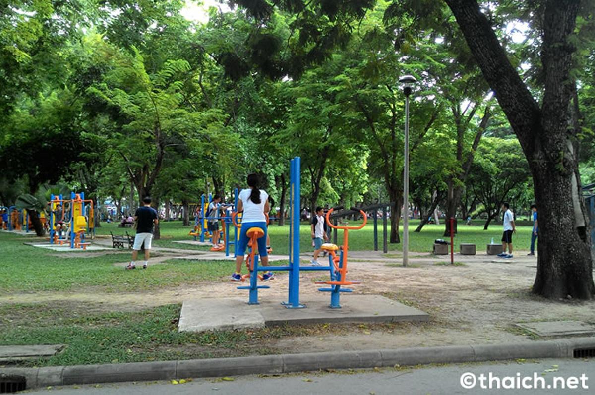 バンコク都がルール守らない公園利用に警告、再閉鎖も視野