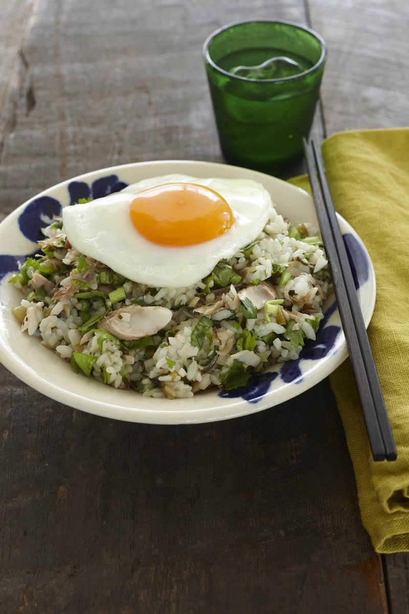 干物、高菜、みょうがとともに爽やかに 「ほっけとパクチーの混ぜご飯」