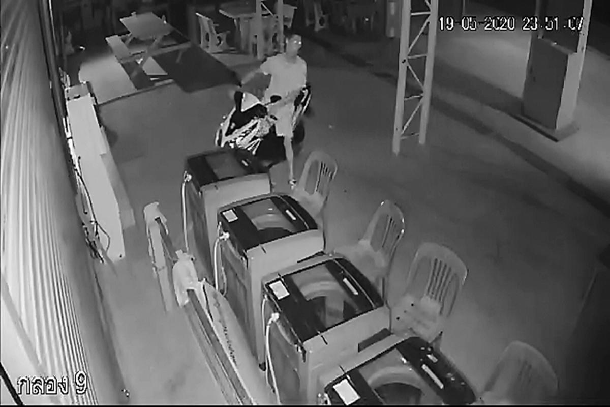夜間外出禁止中でも情熱が止まらない、連続下着泥棒犯を逮捕
