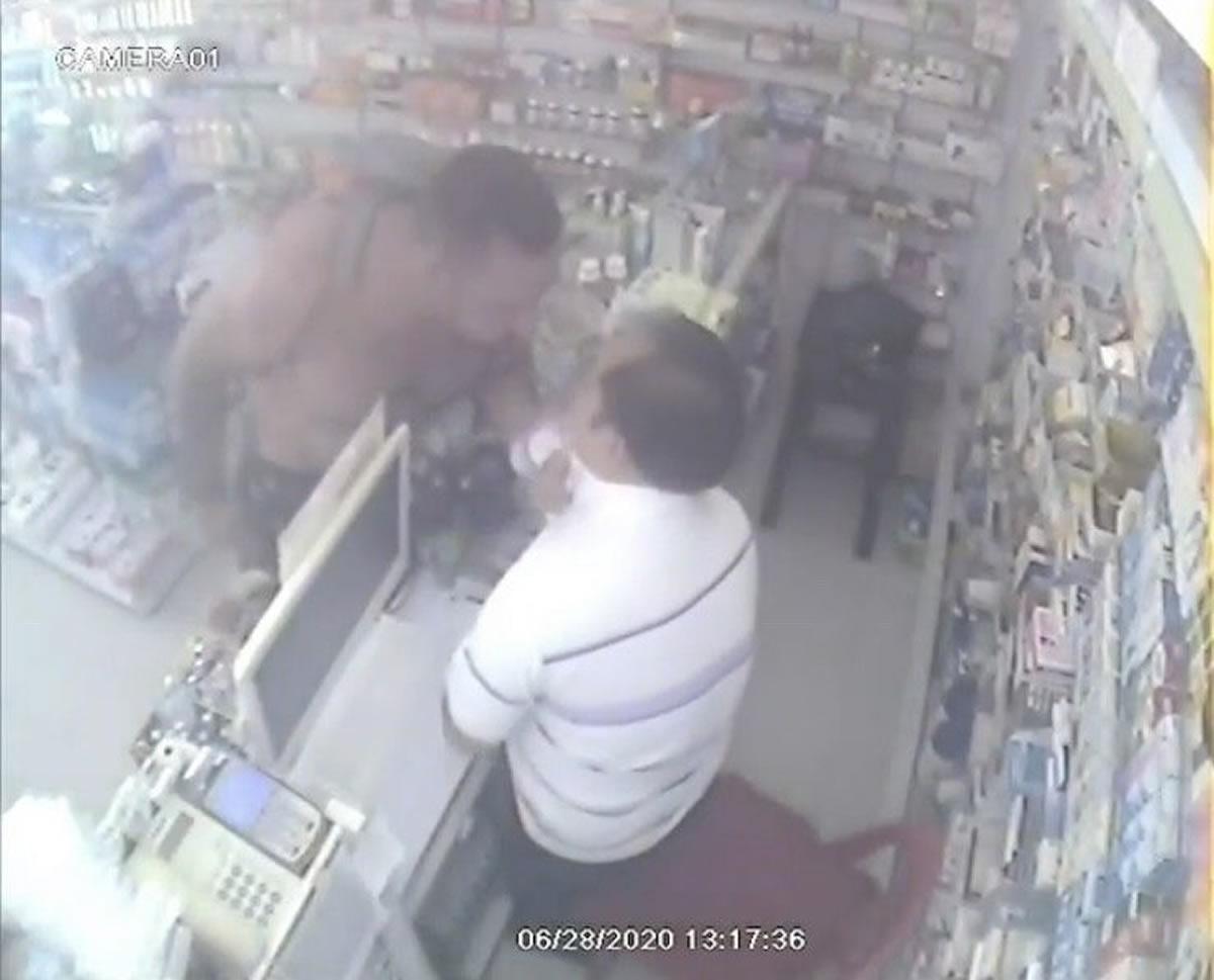 パンガン島の薬局で外国人男が店員に暴行、外国人男は以前にサムイ島でも同様の事件