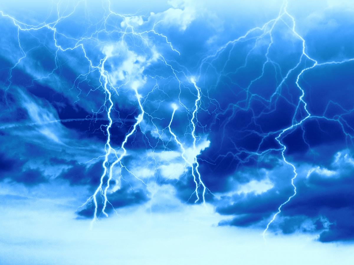 落雷で5分間意識を失うも全く怪我がなかった奇跡の男
