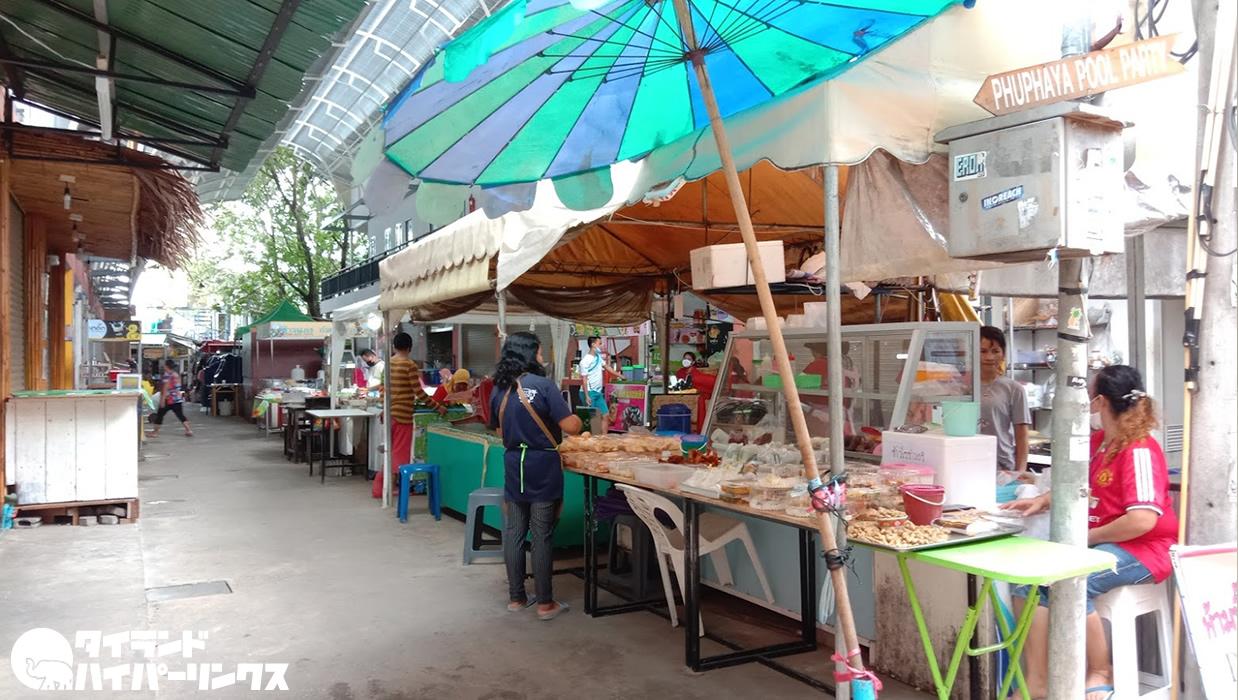 ピピ島で朝食のビリヤニ屋台