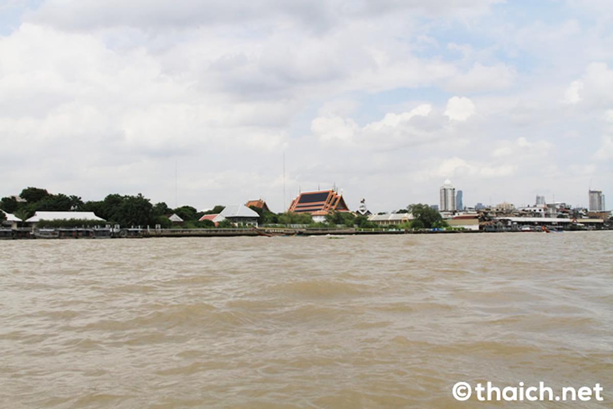 チャオプラヤー川のディナークルーズ船が沈没、乗員・乗客75人は全員無事