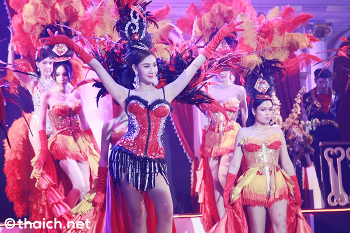タイ各地のニューハーフショーのダンサーらが政府に支援を求める