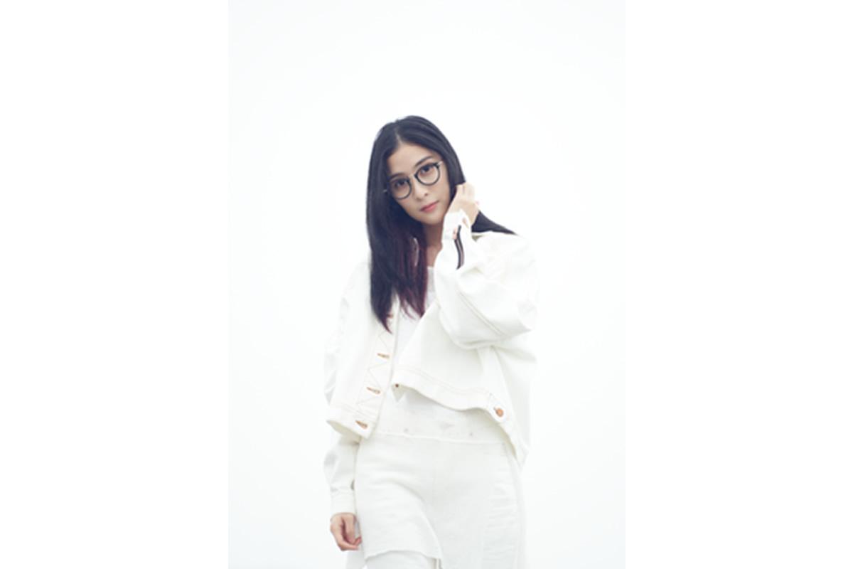 MindaRyn 日本デビューシングル『BLUE ROSE knows』、最新アーティスト写真&MV公開