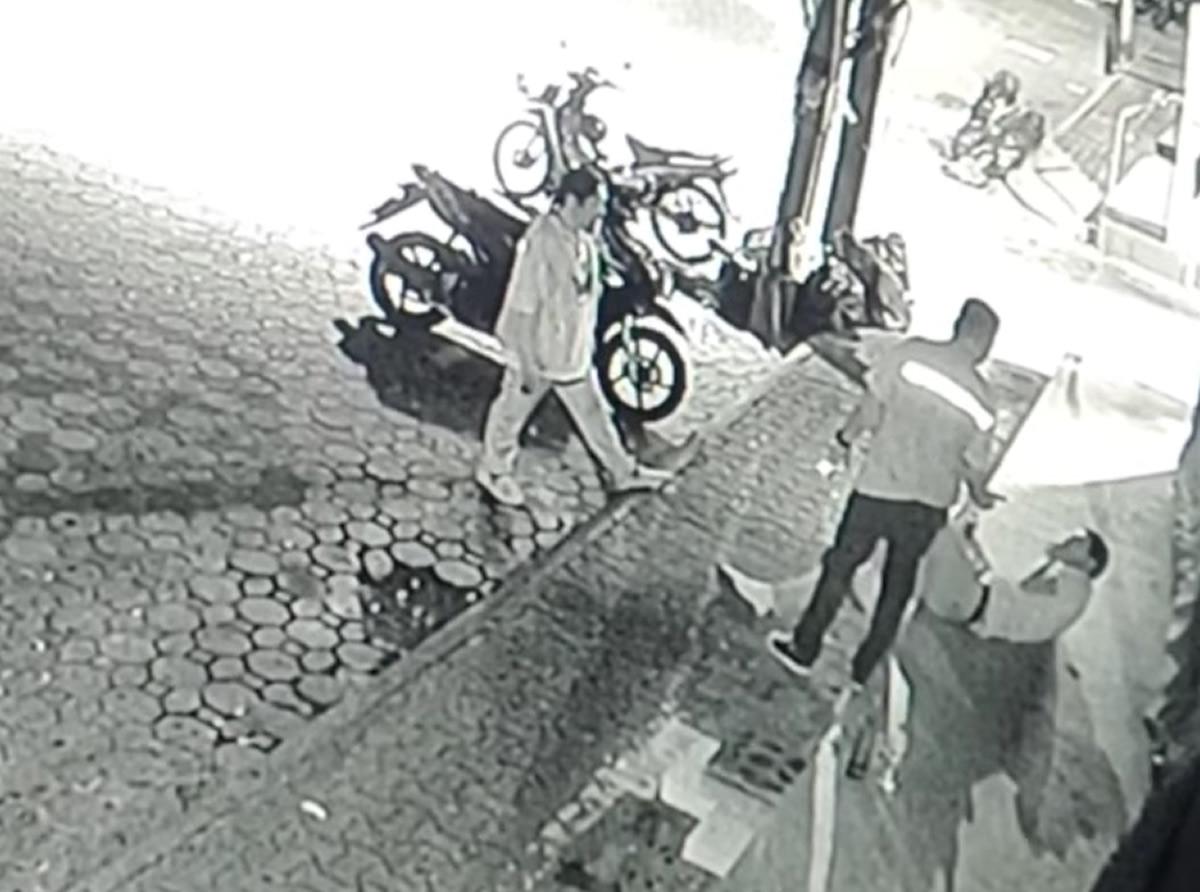 未明のパタヤ・ウォーキングストリート、外国人男性がバイタク運転手に殴られる