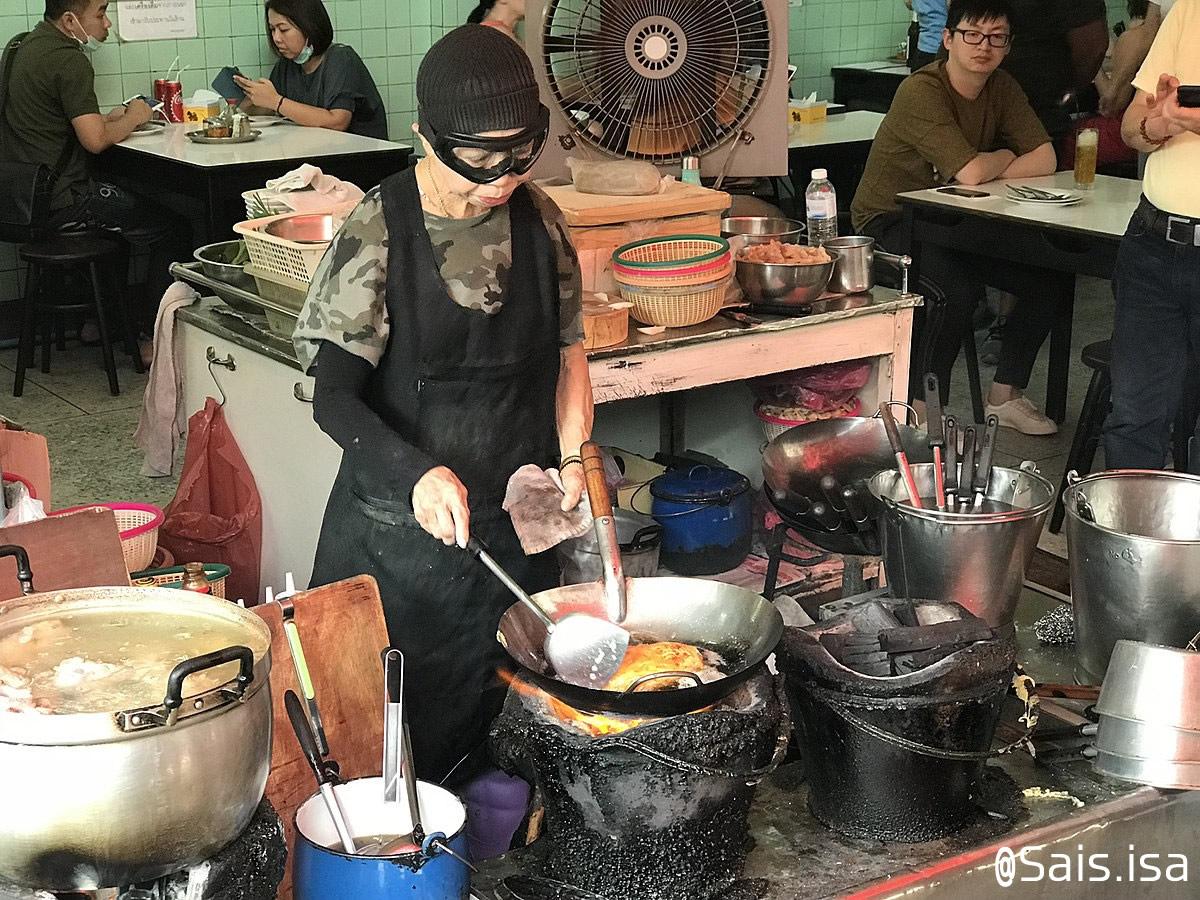 バンコクのミシュラン一つ星食堂「ジェイ・ファイ」、顧客が新型コロナ陽性で一時閉店