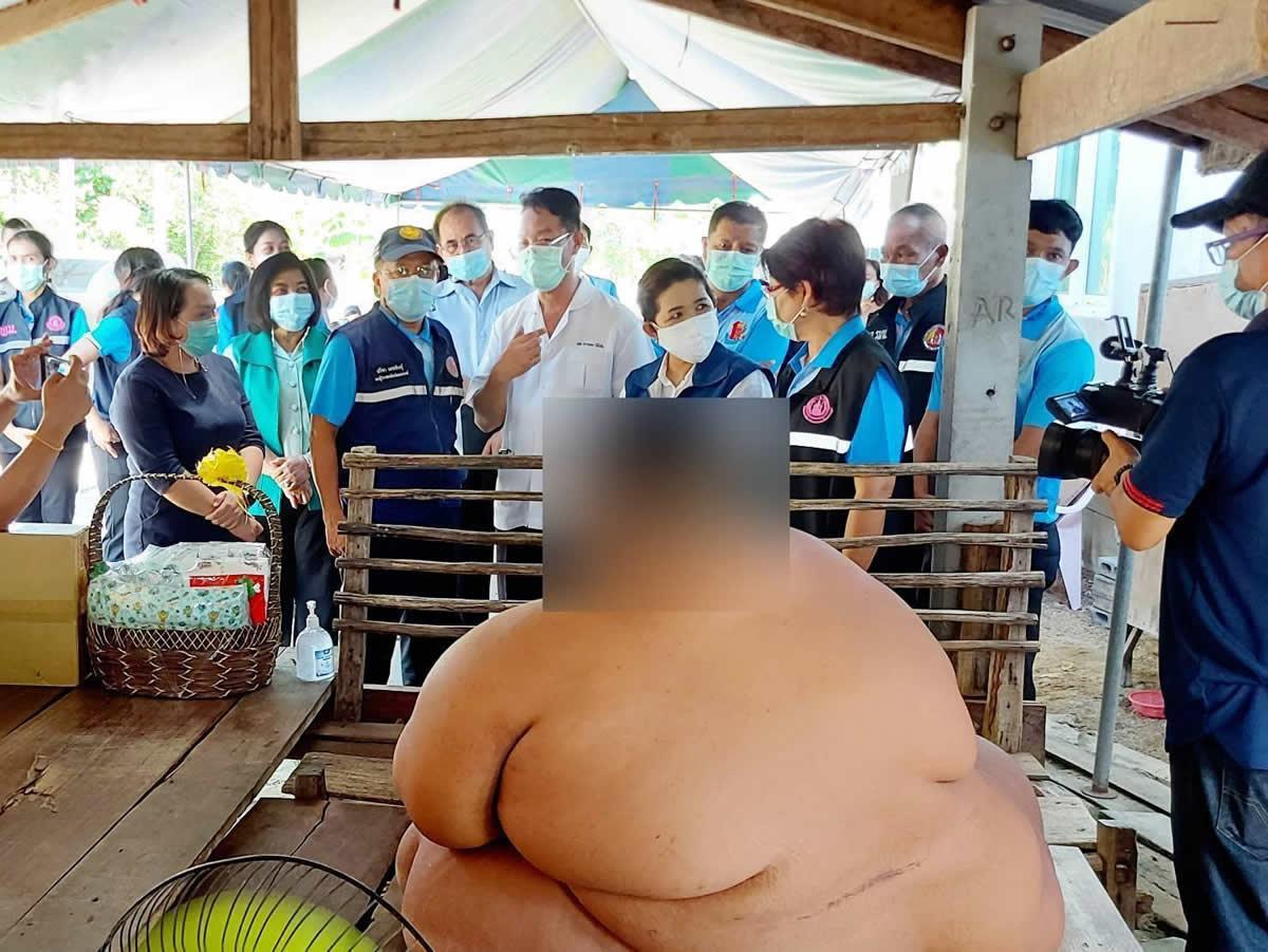 体重200キロを超える肥満体で精神疾患を持つ13歳少年を救いたい