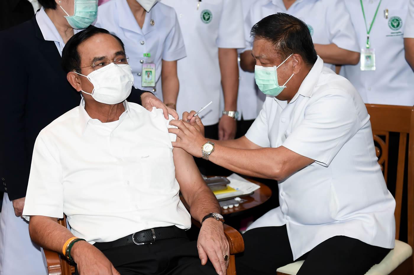 タイ首相、ワクチン2回接種完了