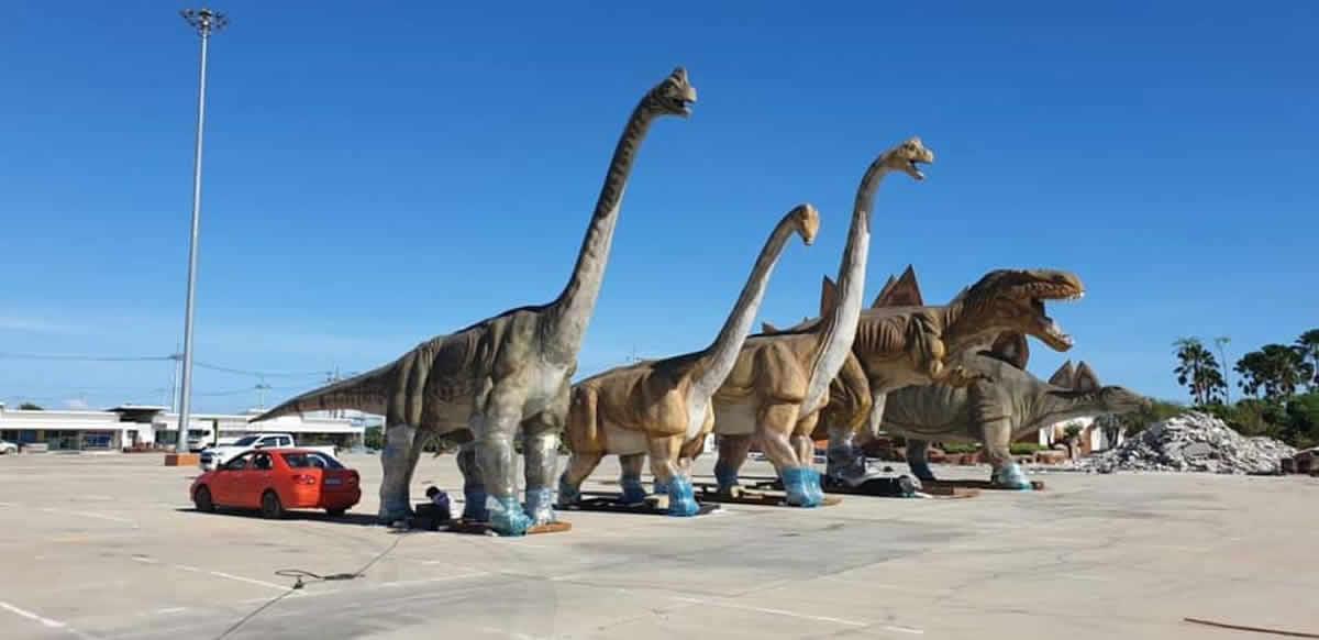 恐竜11頭が550万バーツで販売(本物ではありません)