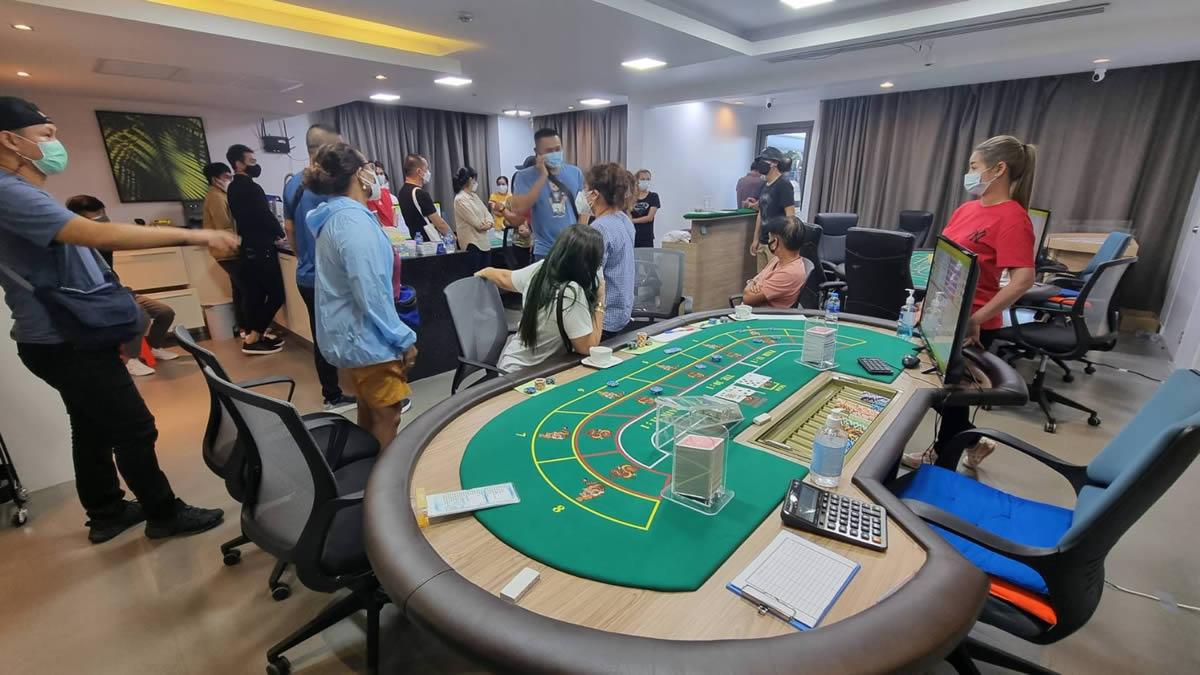 プーケットで闇カジノ摘発、27人逮捕で地元政治家も関与