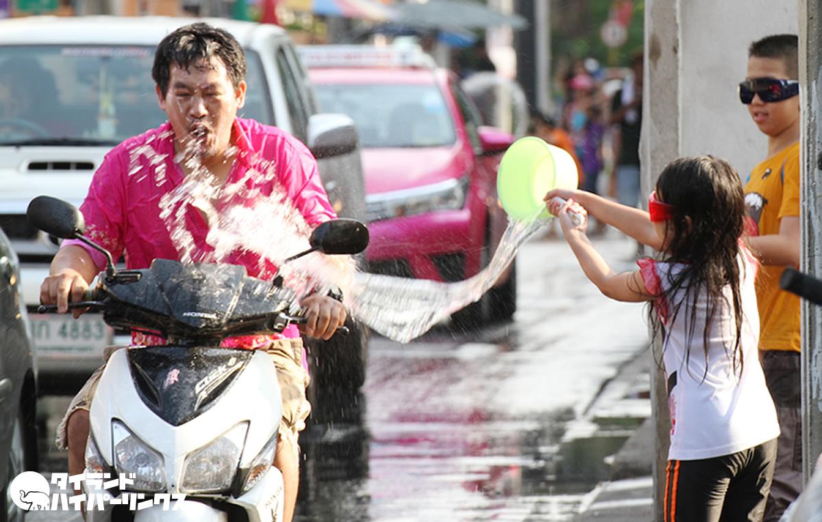 タイの「水かけ祭り」がアジアの主要な祭りの1つに選出
