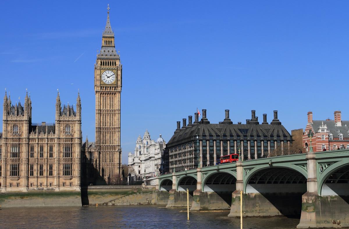 英国政府、タイを新型コロナ「レッドリスト」指定