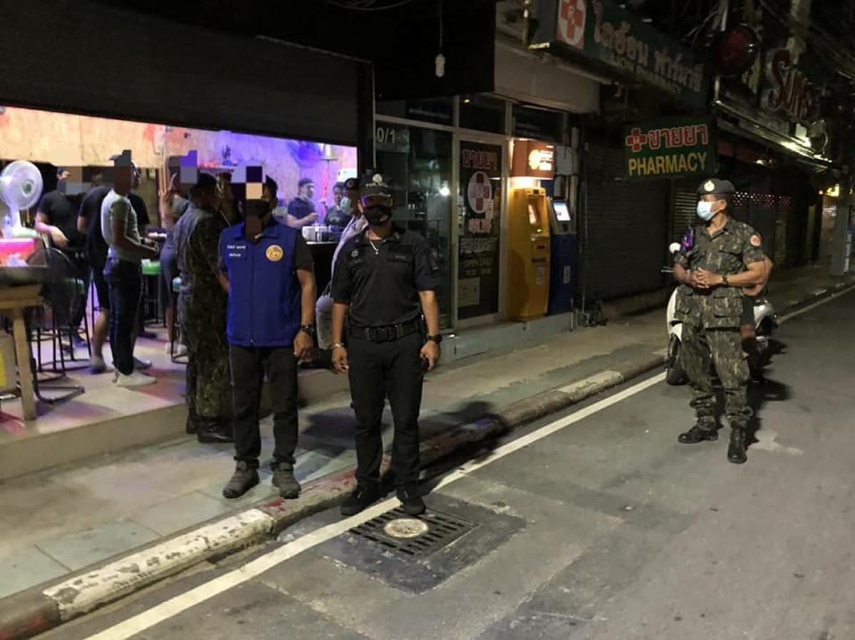 プーケットのバーが連続摘発、バングラ通りなどで違法にアルコール提供