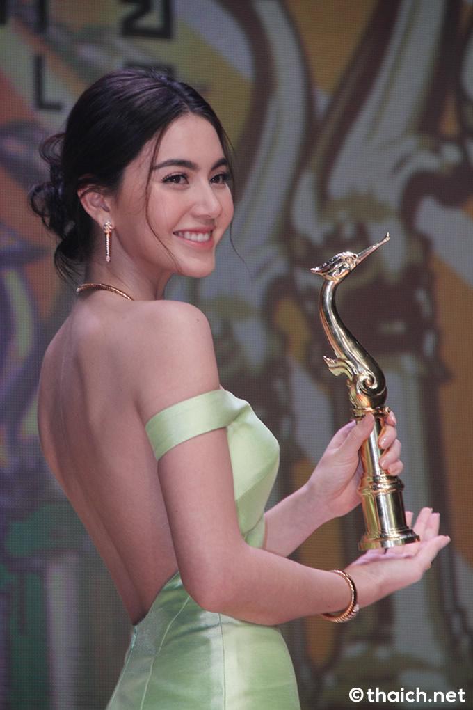 マイ・ダーウィカーが最優秀主演女優賞、タイ版アカデミー賞「第25回スパンナホン賞」で
