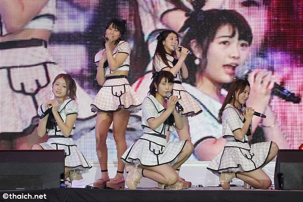 akb48 japan expo thailand 2016 01