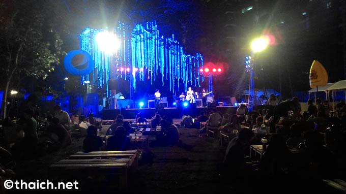 「ARTBOX AT THE EM DISTRICT」ステージ