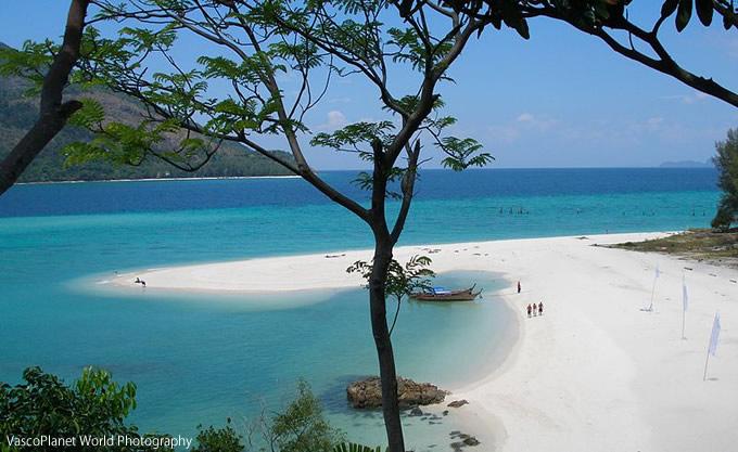 タイ最後の秘島「リペ島」