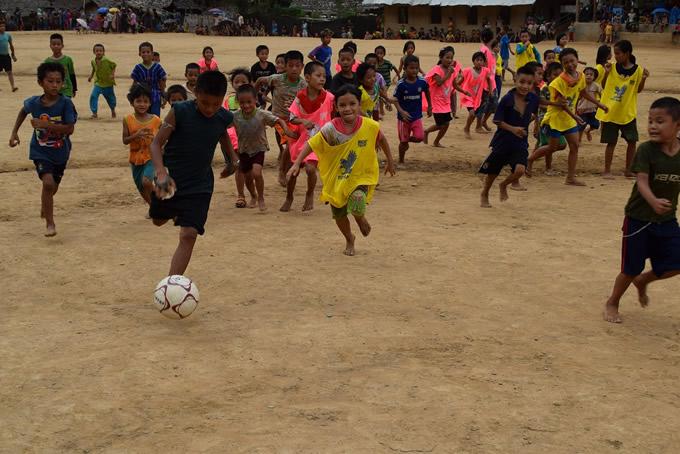 タイ国境ウンピアム難民キャンプで「サッカーフェスティバル」開催