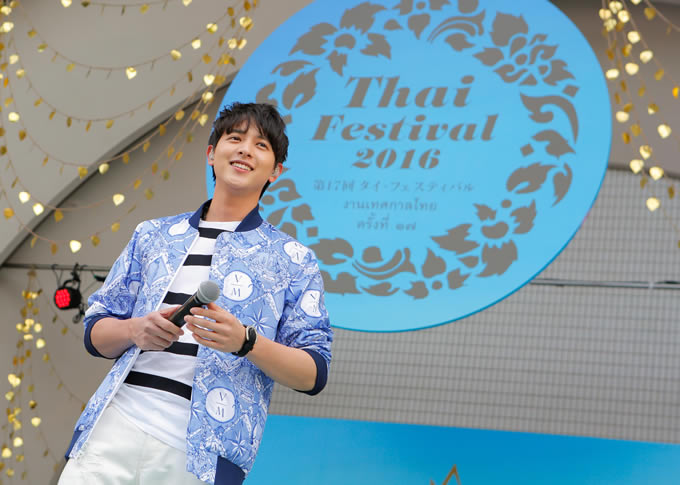 ジェームス・ジラユが「タイ・フェスティバル2016」に登場!「Loving you Too much」や「桜坂」も披露
