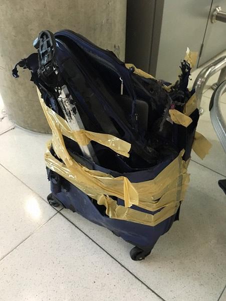 タイ・スワンナプーム空港で預け荷物が紛失、翌日戻るもあり得ないほどボロボロに