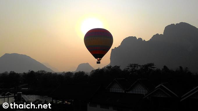 ラオス・バンビエンの気球